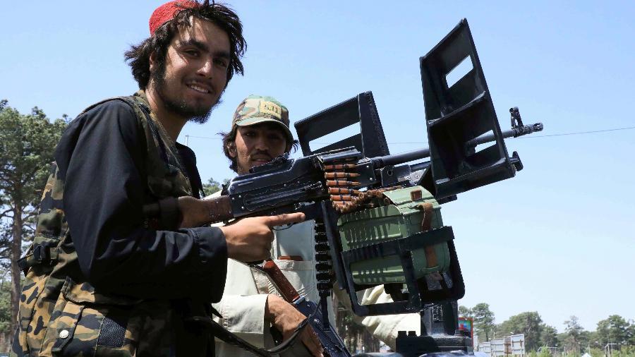 Integrantes do Taleban fazem patrulha nas ruas de Herat - Stringer/Reuters