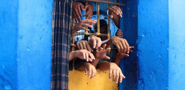 Presos na cadeia Raimundo Vidal Pessoa, em Manaus, em foto de 2015