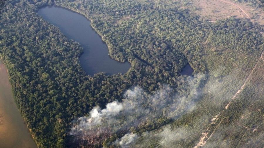 Vista aérea do Parque Nacional do Xingu, em Mato Grosso - Paulo Whitaker/Reuters