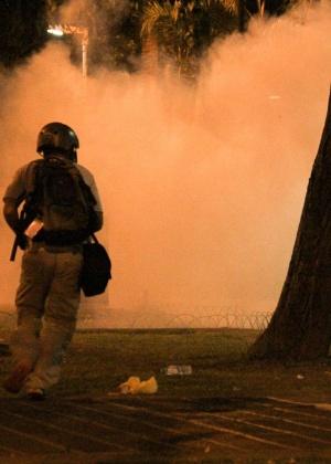 Polícia Militar usou bombas de gás e balas de borracha para dispersar protesto no centro de São Paulo
