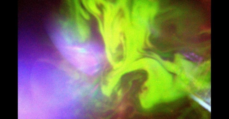 2,mar.2016 - Ele comemorou o Halloween com outra foto espetacular do espetáculo de uma aurora.