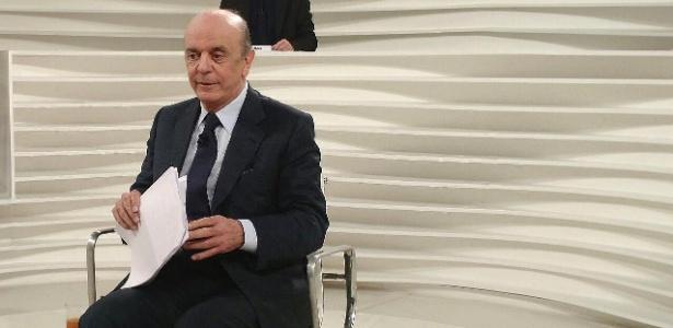 """O ministro das Relações Exteriores, José Serra (PSDB), participa do programa """"Roda Viva"""", da TV Cultura"""