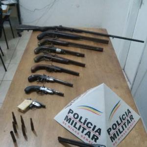 Armas apreendidas na fazenda onde um disparo acidental matou uma menina de 10 anos no sul de Minas Gerais