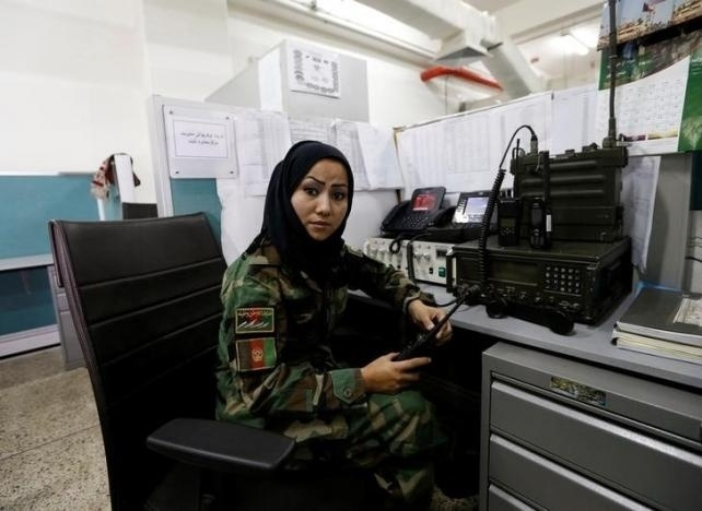 10.nov.2016 - Mulheres que trabalham em cargos públicos são uma questão controversa no Afeganistão