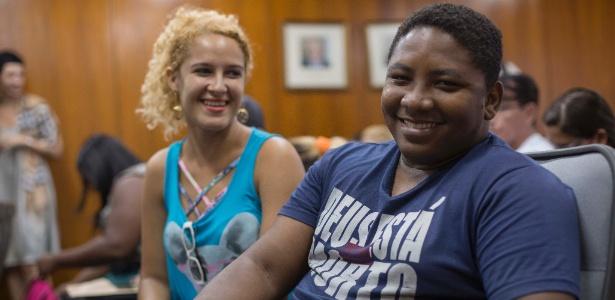 Separados há quatro anos, a costureira Vivian Fabricio e o assistente administrativo Leandro da Silva oficializam o divórcio em evento coletivo no Rio