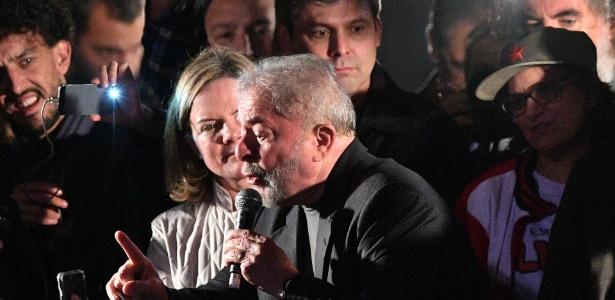 Lula e Gleisi em ato público em julho de 2017, em São Paulo