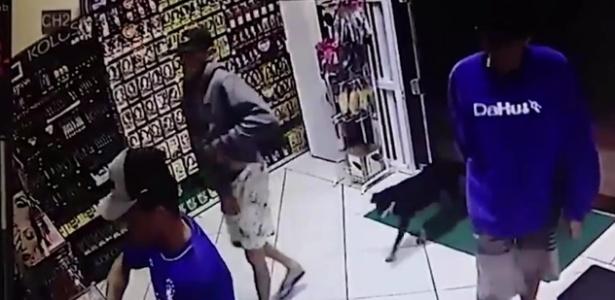 Homens invadem farmácia em Xangri-lá; um deles morreu após reação do dono da loja - Reprodução