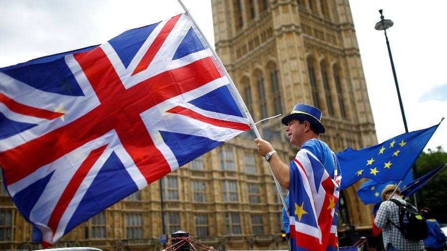 19.jun.2018 - Manifestante protesta contra o Brexit em frente ao Parlamento, em Londres - Henry Nicholls/Reuters