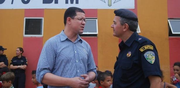 Candidato do PSL ao governo de Rondônia, Coronel Marcos Rocha (à esq.)