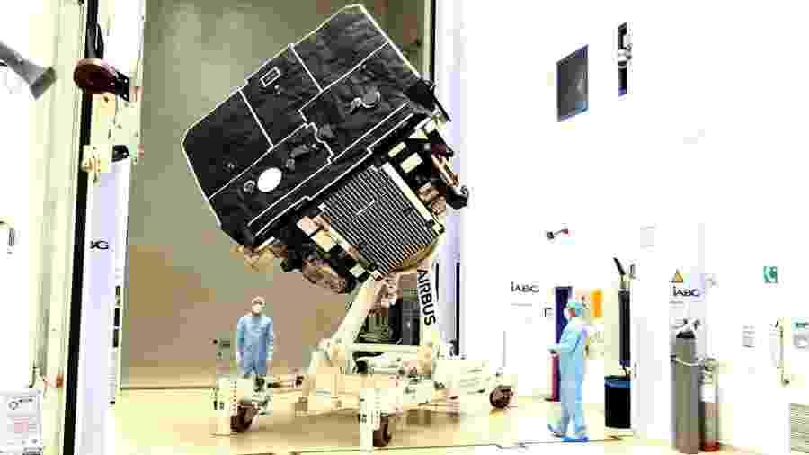 Satélite europeu já concluiu etapa de testes e está pronto para ir à Flórida, de onde será lançado - BBC