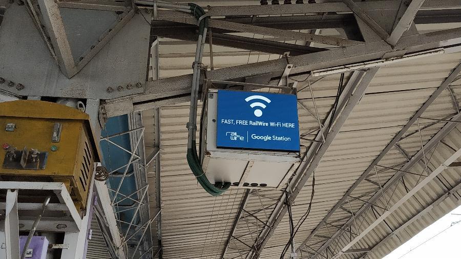 Ponto do Google Station em estação ferroviária na Índia - Getty Images/iStockPhoto