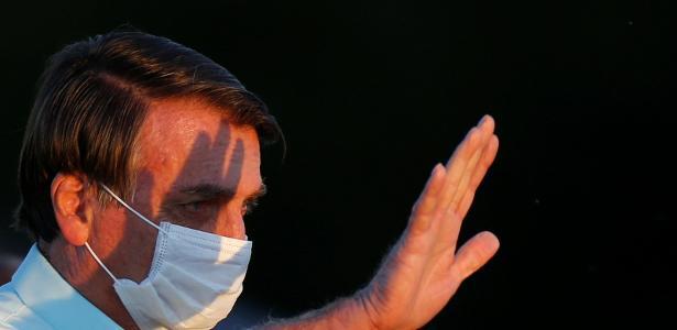 Governo | 'Estou bem, já estou curado', diz Bolsonaro a apoiadores