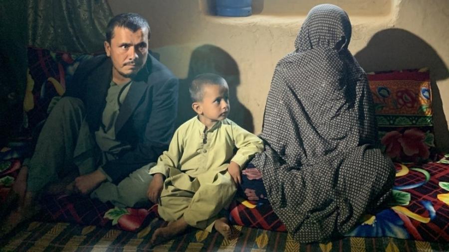 """Goljuma (à direita) elogiou o Talibã e disse: """"Mulheres como eu não são como as mulheres de Cabul"""" - BBC"""