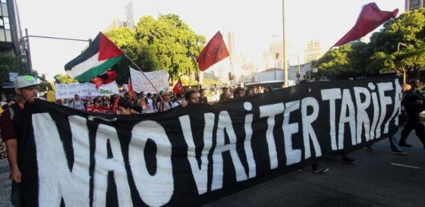 Rio de Janeiro tem ato do MPL (Movimento Passe Livre) contra o aumento das tarifas do transporte público