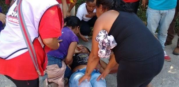 Militante do MTST é baleada durante passeata em direção à Prefeitura Municipal de Itapecerica da Serra, na Grande São Paulo