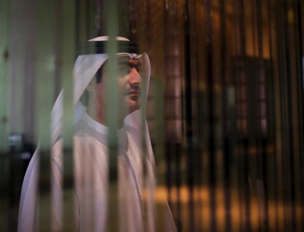 Ahmed Mansoor, ativista de direitos humanos nos Emirados Árabes, descobriu que foi espionado pelo governo por meio de um software adquirido de uma empresa estrangeira