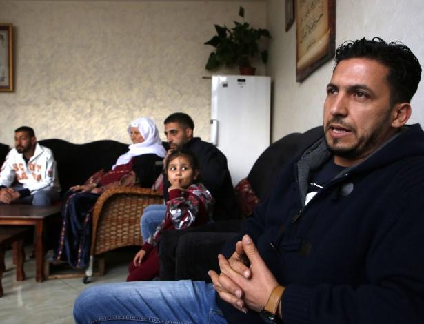 O palestino Thaer Sharkawi, 31, nasceu e cresceu em um campo de refugiados