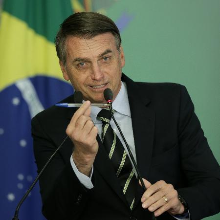 Bolsonaro assina decreto que modifica regras para posse de armas - Pedro Ladeira/Folhapress