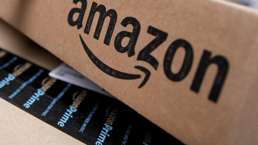 Pacote de produto enviado pela Amazon, uma das gigantes do varejo online - Mike Segar/Reuters