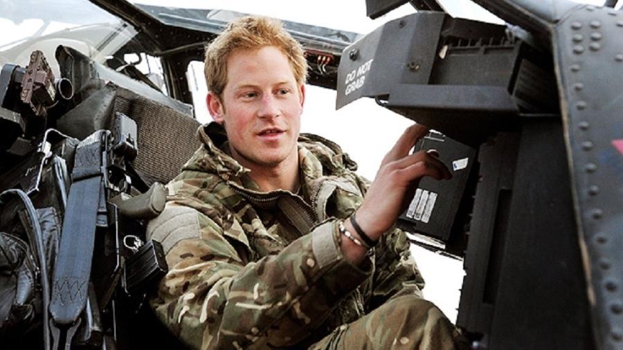 Príncipe Harry foi piloto de helicóptero de ataque Apache -  John Stillwell/AFP