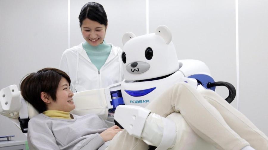 O Japão está implantando robôs em lares de idosos, escritórios e escolas à medida que sua população envelhece e sua força de trabalho diminui - Getty Images