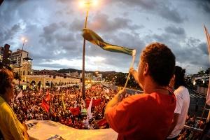 """""""Dia Nacional de Mobilização Social"""", organizado por movimentos sociais e centrais sindicais, também se faz presente no centro de Florianópolis"""