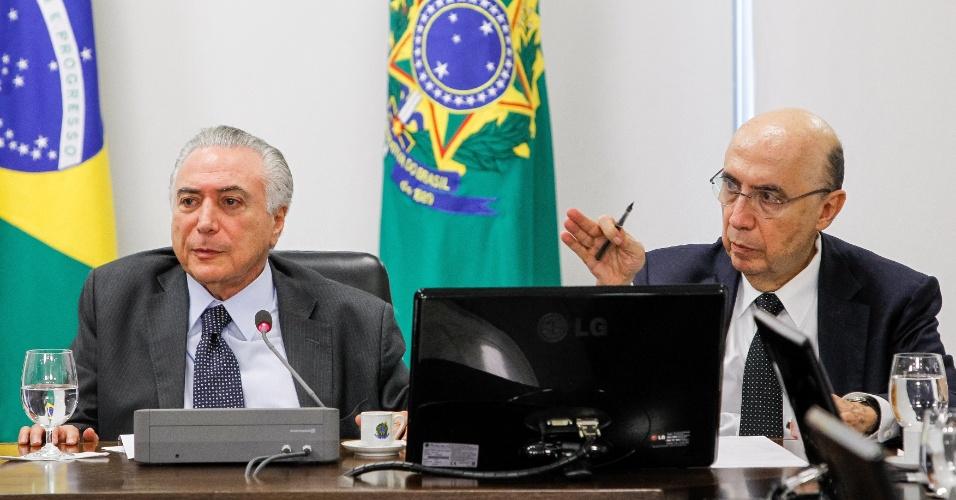 22.jun.2016  - O presidente interino, Michel Temer (PMDB), faz reunião com os ministros do núcleo econômico de seu governo em Brasília