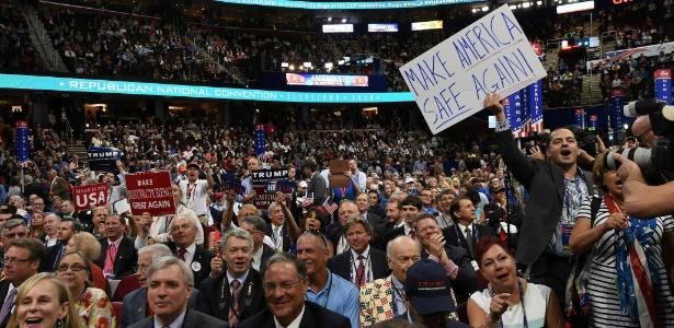 """19.jul.2016 - Placa com os dizeres """"Torne a América segura de novo"""" durante a convenção republicana em Cleveland que oficializou Trump como candidato"""