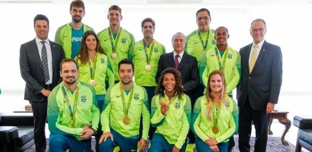 Temer recebeu no Palácio do Planato cerca de 50 atletas que participaram dos Jogos Olímpicos do Rio