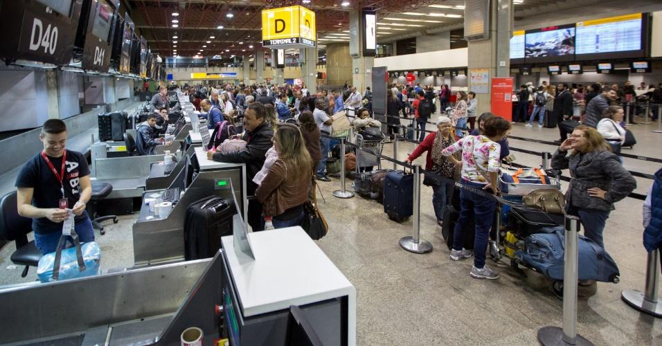 28.abr.2017 - Movimento normal no Aeroporto de Cumbica nesta manhã de sexta-feira (28) de greve geral