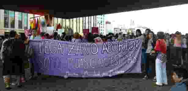 13.nov.2017 - Mulheres se reúnem contra PEC 181 no vão livre do Masp - Daniela Garcia/UOL - Daniela Garcia/UOL