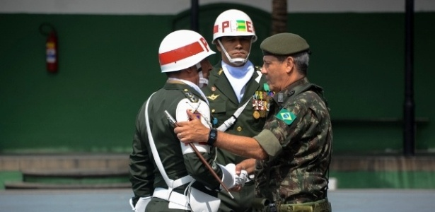 Resultado de imagem para General Walter Braga Netto será interventor no Rio