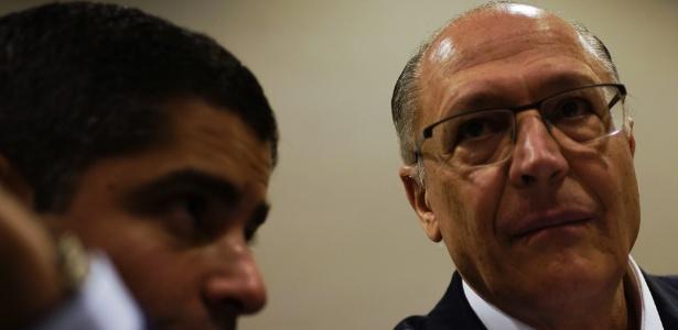 26.jul.2018 - Geraldo Alckmin e ACM Neto durante reunião com partido de centro