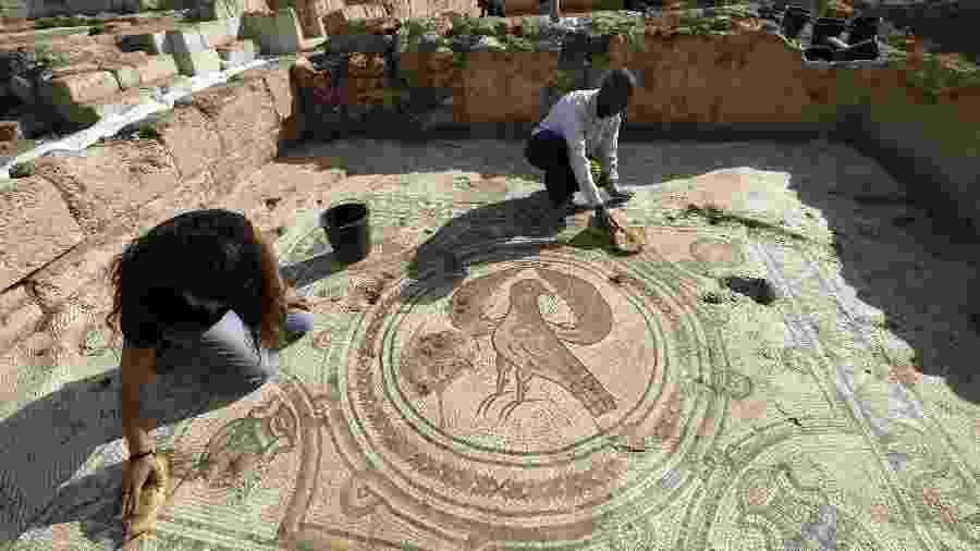 Igreja bizantina do século 6 é descoberta em Israel -  MENAHEM KAHANA / AFP
