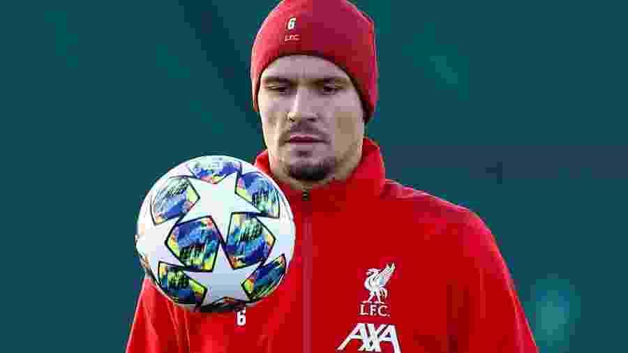 Zagueiro Dejan Lovren, do Liverpool, durante treino da equipe - JASON CAIRNDUFF