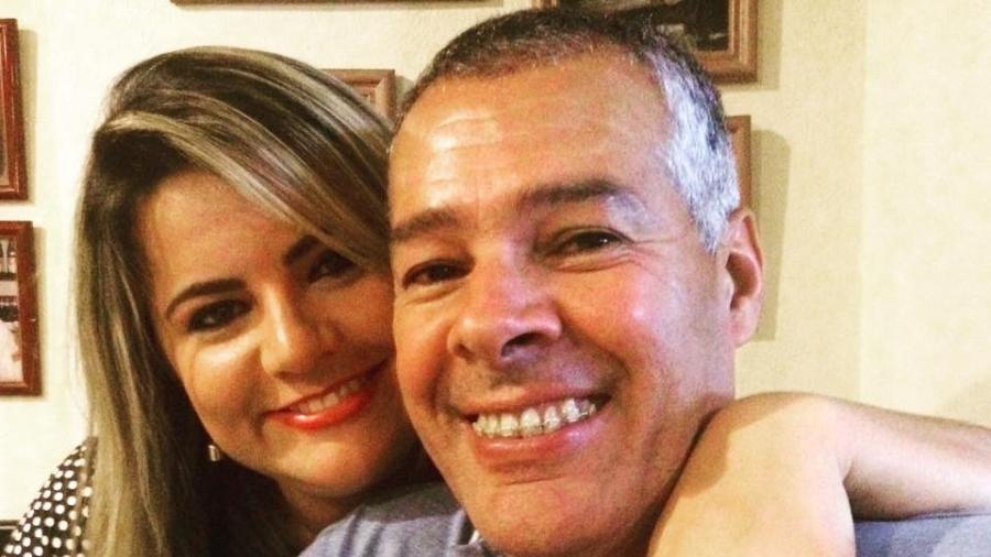 Joaquim Neto nomeou sua mulher, Carla Reis, como secretária de Comunicação de Alagoinhas (BA) - Reprodução/Facebook