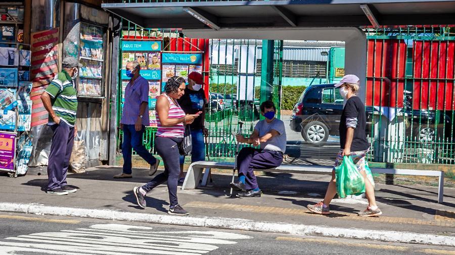 Dia das Mães movimentou os comércios de rua e feiras livres nos bairros da periferia de São Paulo - Antonio Molina/Fotoarena/Estadão Conteúdo