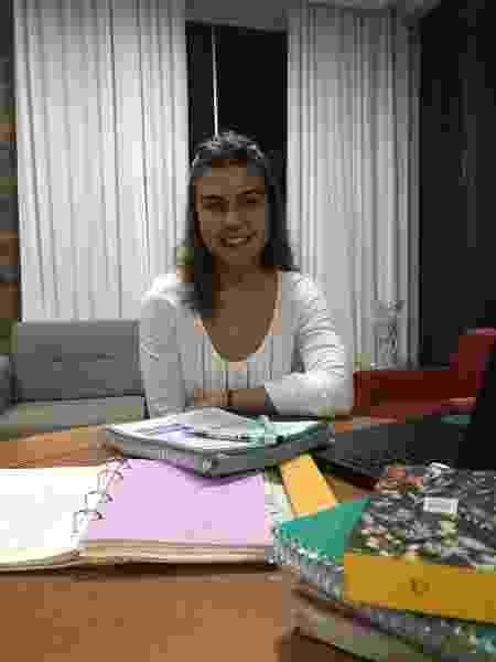 A vestibulanda Lara Batista Costa, 21, se prepara para prestar medicina no Enem - Arquivo pessoal - Arquivo pessoal