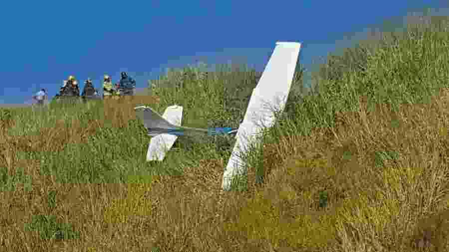 Avião de pequeno porte cai em parque ecológico de BH - Dilvugacão/Bombeiros MG/Com Stallone