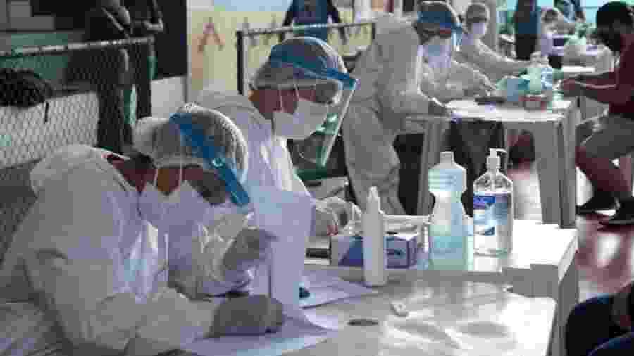 Testes para covid-19 realizados em grande quantidade no município de São Gabriel da Cachoeira (AM) - Secretaria Municipal de São Gabriel da Cachoeira / Divulgação