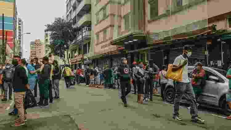 Ambulantes se reúnem na 25 de Março, em São Paulo - Talyta Vespa/UOL - Talyta Vespa/UOL