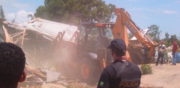 Policiais federais e militares destruíram as casas dos índios pataxós em reintegração de posse na Bahia