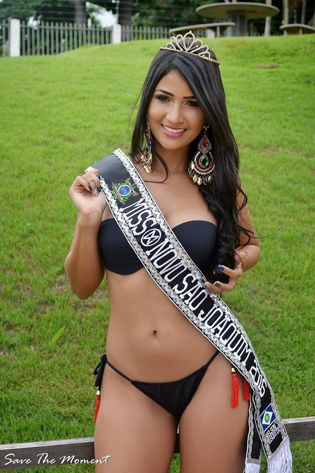 27.jan.2016 - Novo São Joaquim - Kelly Wanessa da Silva, 22 anos