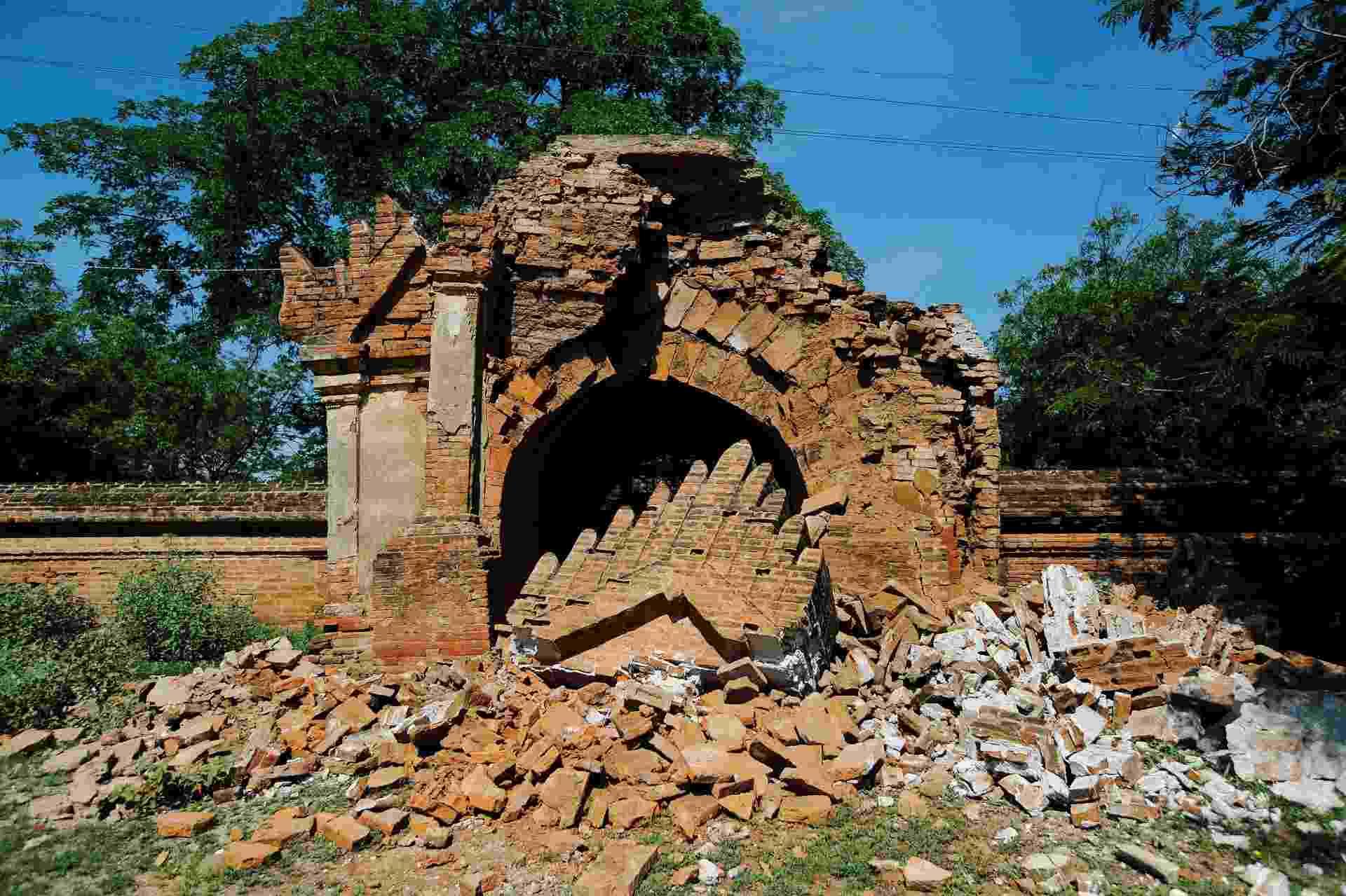 25.ago.2016 - Templo foi parcialmente destruído em sítio arqueológico de Bagan, em Mianmar. Um terremoto de magnitude 6,8 na escala Richter atingiu o país e danificou quase cem templos centenários da região - Soe Zeya Tun/Reuters