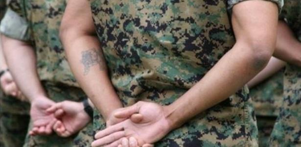 Apesar de Supremo impedir veto a tatuagens, Marinha, bombeiros e polícias militares de vários estados ainda restringem acesso de tatuados; Exército (foto acima) e FAB seguem orientação do tribunal