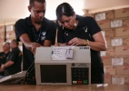 TRE-DF prepara urnas eletrônicas para votação de brasileiros no exterior - Pedro Ladeira/Folhapress