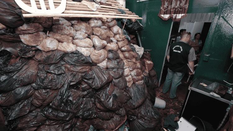 Sacos com terra escavada em cela do Pavilhão A da prisão de Pedro Juan Caballero - Divulgação