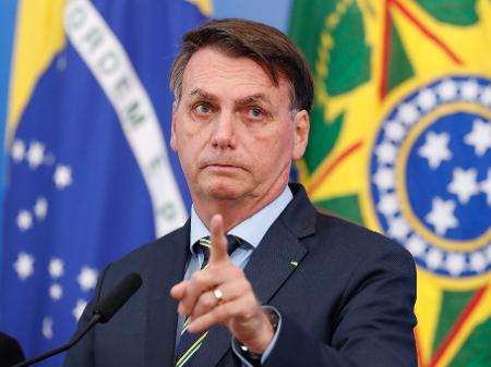 Bolsonaro revela que não lê tudo que assina: 'Tem decreto com 20 ...