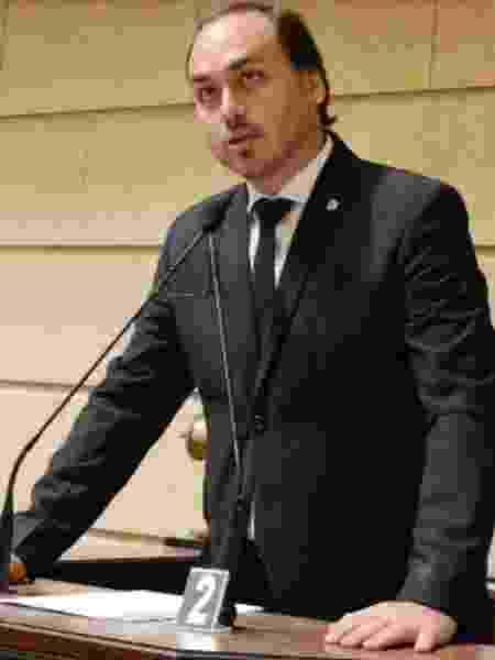 Carlos Bolsonaro discursando - Foto: Divulgação/CMRJ