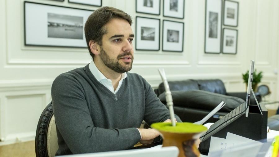 Eduardo Leite anunciou que viajará a São Paulo para negociar com empresas - Reprodução/Facebook